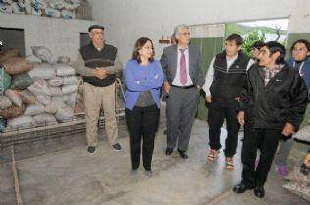 Lucía inauguró la remodelada Hostería de la Puerta