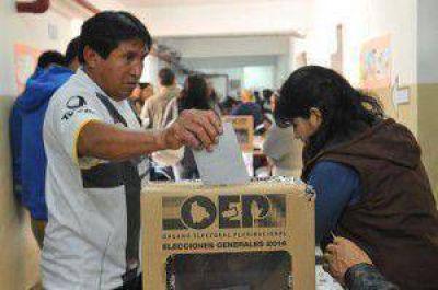 Masiva jornada electoral para los bolivianos residentes en Argentina