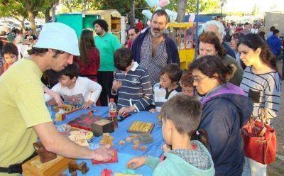 Numeroso público en el Paseo Ferial en Santa Rosa