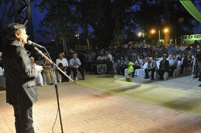 Peppo anticipó un cupo de 40 viviendas más en los festejos de La Verde