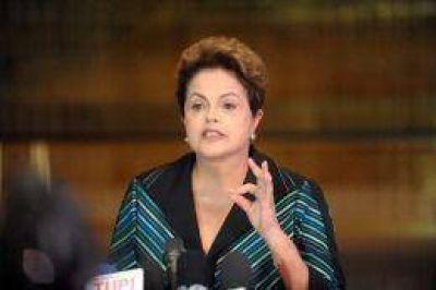 Tras el anuncio de Silva, Neves celebra y Rousseff dispara: