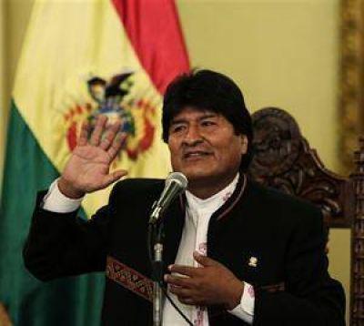 Entusiasmado, Evo Morales no descarta otra reelecci�n