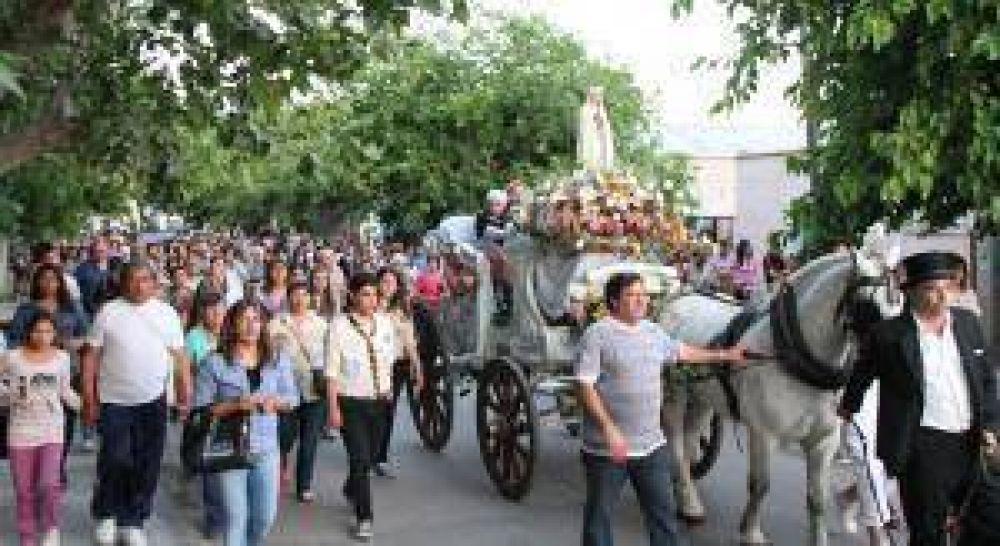 Peregrinaron por Fátima con pastorcitos y con reliquias