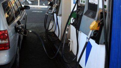 Estiman que el litro de nafta costar� 20 pesos en diciembre