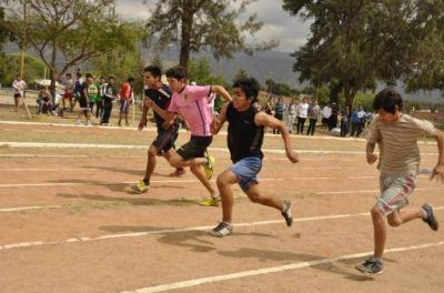 """Evita"": Gran final provincial de atletismo"