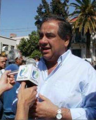 Julio Martínez le bajó el pulgar al Frente Renovador massista