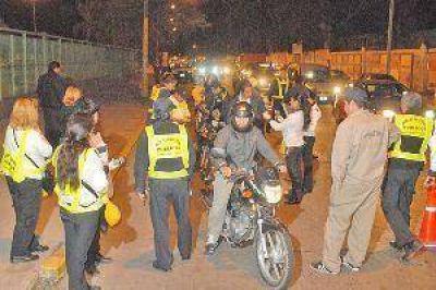 Secuestraron 100 motos y 12 autom�viles en operativos
