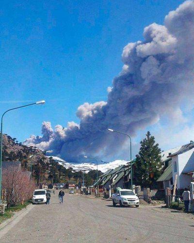 Volc�n Copahue: en Chile entregan mascarillas ante posible evacuaci�n