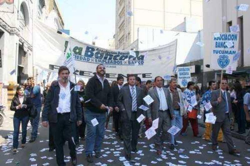 Bancarios retoman las protestas en Tucumán