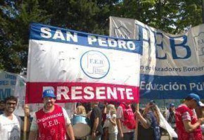 Docentes de San Pedro participan de movilización a la legislatura provincial