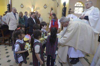 Lanús: Festejos patronales por el día de Santa Teresa en el Municipio