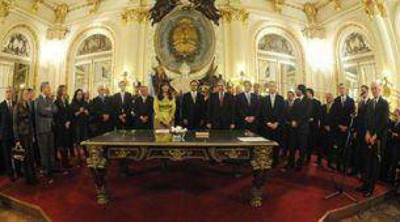 La Presidente se reuniría con gobernadores por separado