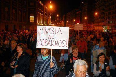 Policía local: el apuro de Pulti, son sus urgencias políticas y económicas