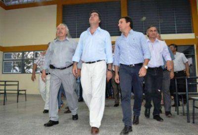 Capitanich inauguró 13 cuadras de pavimento urbano y obras en la EEP Nº 34 de Makallé