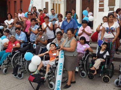 CILSA entregó sillas de ruedas a personas de capital e interior