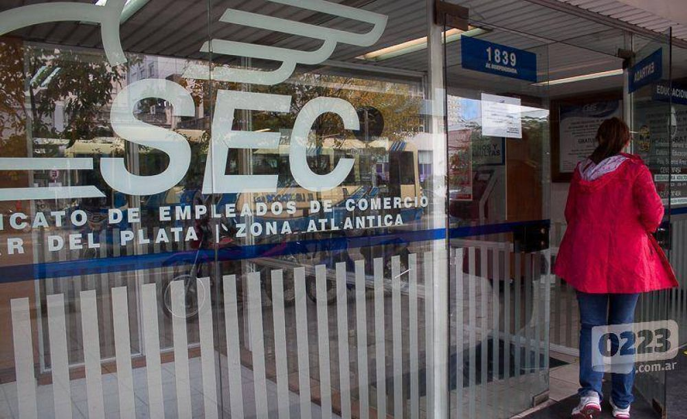 Comercio: más de 800 empleados de medio turno deberán cobrar bono de $1200