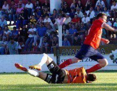 El triunfo a Independiente se le esfum� en la