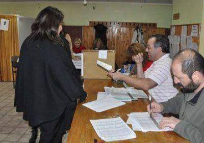 Los docentes van a las urnas para elegir autoridades