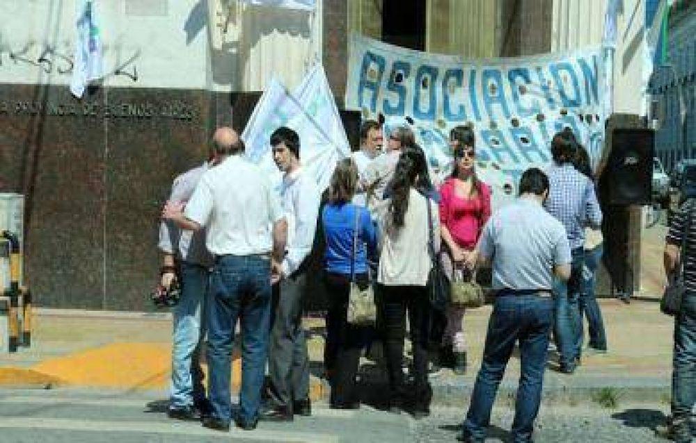 La Asociación Bancaria de Tandil se adhirió al paro nacional en rechazo al impuesto al salario
