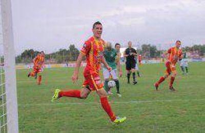 Sin variantes, Boca Unidos partió a Pergamino para jugar por la 15ª