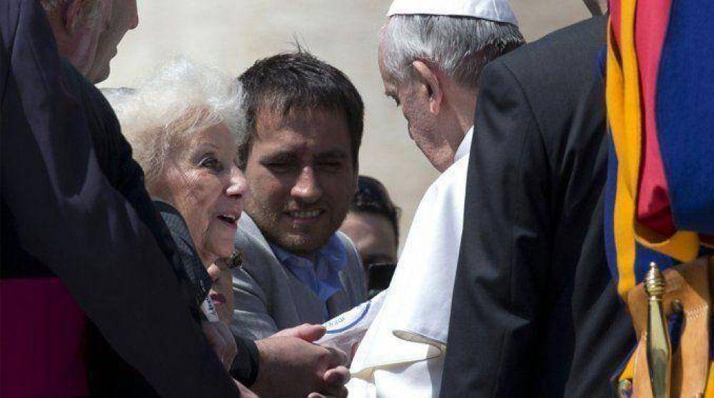 El Papa recibe a Carlotto y su nieto en el Vaticano