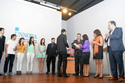 Más de veinte graduados de la Unnoba recibieron su título universitario