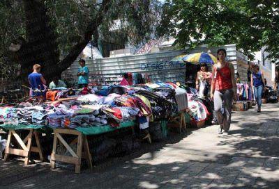 Enérgica reacción de comerciantes y empresarios contra la venta ambulante