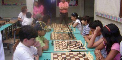 """Torneo interprovincial de ajedrez: """"Aprendiendo a pensar"""" XVI Edición"""