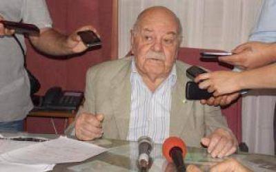 Escándalo en Rauch: Intendente Ugarte echó a Policía que controló camión de un amigo