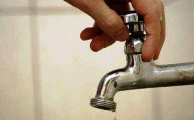 Anuncian baja presión y falta de agua