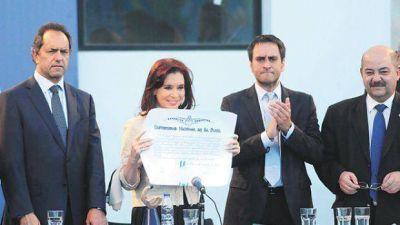En la Universidad de La Plata aseguran que la Presidenta se recibió de abogada
