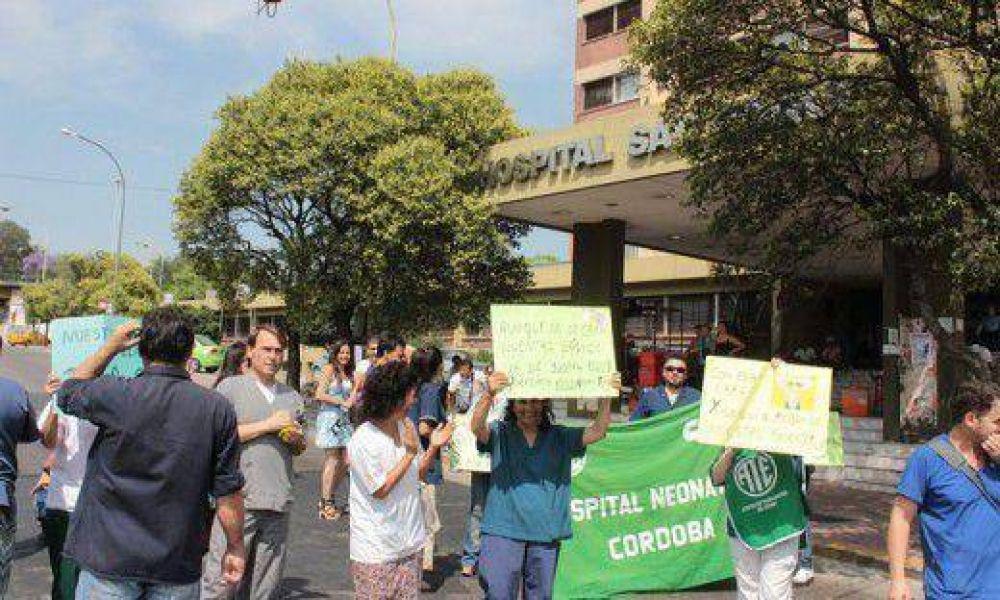 Reclamo de ATE con corte de calle en Bajada Pucará