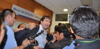Incidentes tras la audiencia de avenimiento por la expropiaci�n de Alpesca