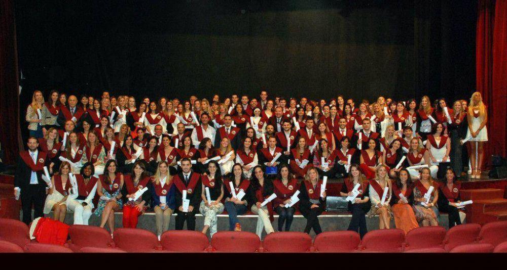 Más de 400 alumnos se graduaron en la Universidad FASTA