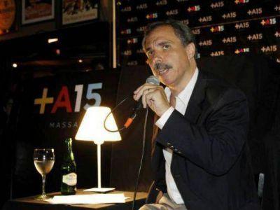 Con bombos y platillos, José Arteaga lanzó la consulta vecinal sobre seguridad