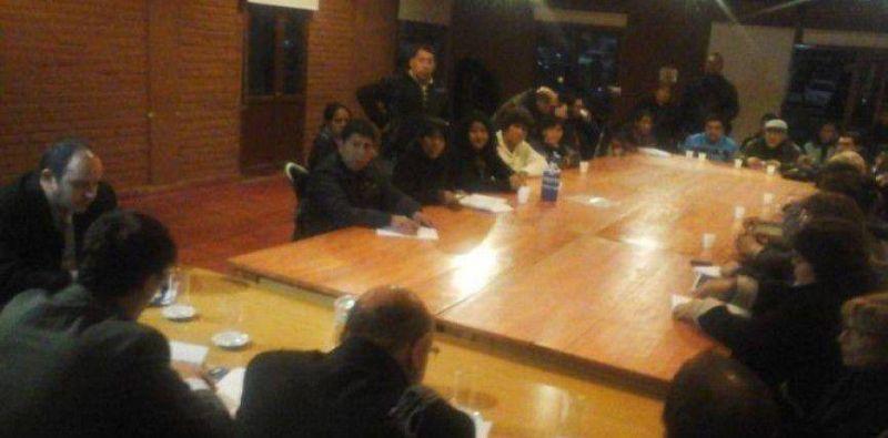 El Frente de Gremios Estatales decidió continuar con el plan de lucha pero sin medidas de fuerza esta semana