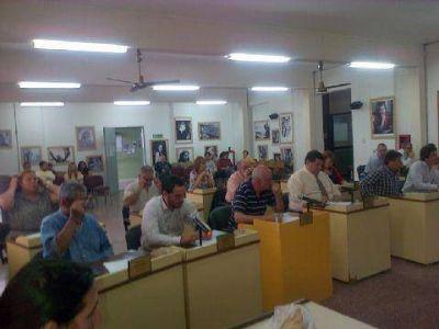 Breve y con grandes homenajes, pasó una nueva sesión del Concejo Deliberante