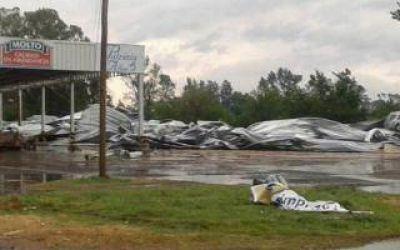 Tornado en Bragado: El Mercado Central de Samid qued� destru�do