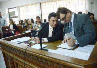 Dos médicos avalaron al cirujano Poletti
