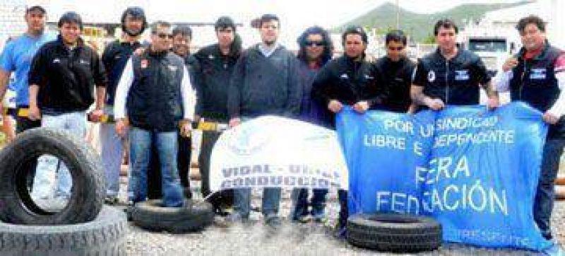 Vidal amenaz� con paralizar la actividad en toda la provincia