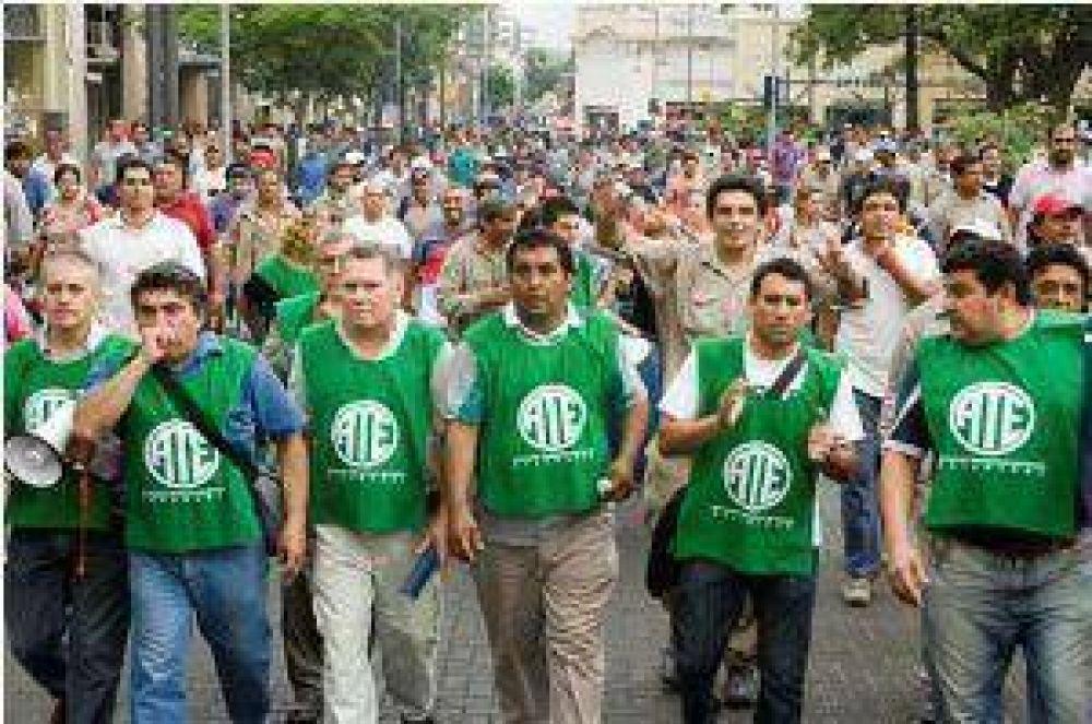 Recrudece el reclamo de los empleados de Obras Públicas