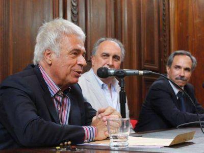 """José Manuel De la Sota visitó La Plata: """"No es fundamental ingresar a un espacio en común para participar de las PASO"""""""
