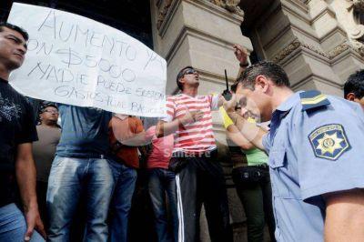 La comisión que investiga la rebelión policial emitirá dictamen en unos 30 días