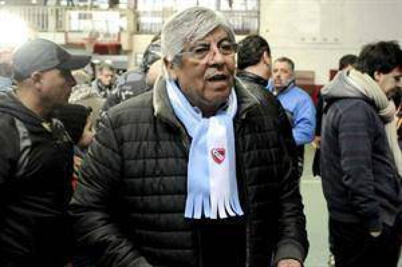 Moyano presiona por un aumento de emergencia para los jubilados