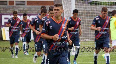 Armenio cortó la racha de derrotas con un empate 1 a 1 ante Comunicaciones
