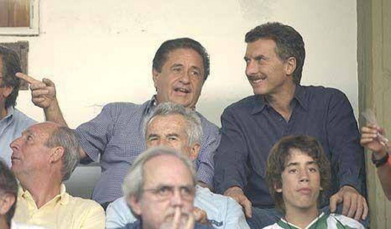 En medio de la pelea por el control del PJ, Macri elogió a Duhalde