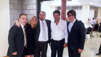 El concejal Nunzio Miguel junto a Angelici en cena a beneficio