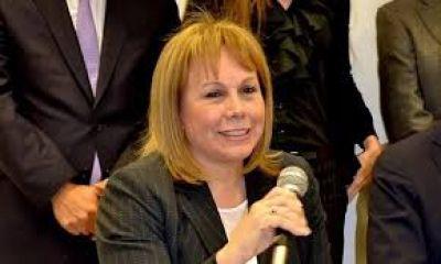 """Ebola: la senadora Moirano preocupada por las """"deficiencias del Penna"""""""