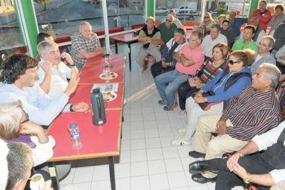 Das Neves escuchó inquietudes de vecinos de Playa Unión