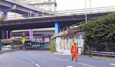 Comienzan obras del Metrob�s en la autopista 25 de Mayo